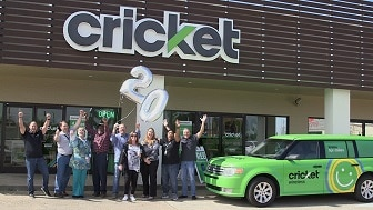 Cricket Wireless Celebrates its 20th Birthday with its first customers at the first Cricket store