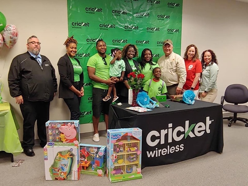 Cricket Cares Celebrates Military Moms